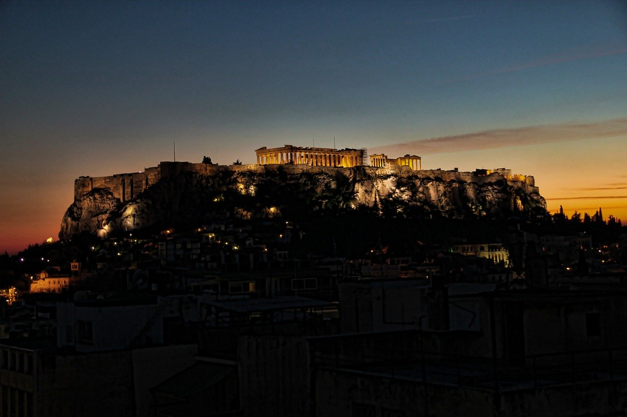 Ebullient Athens vs Eternal Rome: 7 Travel Differences
