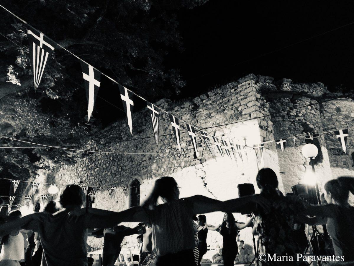 5 Reasons to Visit Greece ASAP
